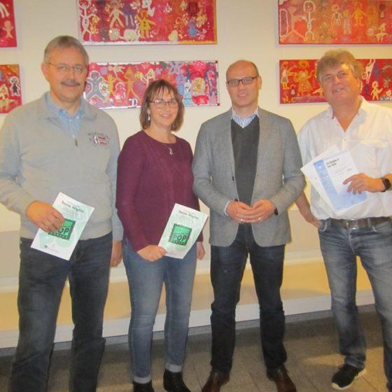 Projektleiter Felix Altenheimer, Projektleiterin Anja Fay, Kulturdezernent der Stadt Wetzlar Jörg Kratkey und Chorleiter Christoph Hilfrich