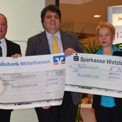 Spendenübergabe an Dr. Siegfried Meier, Pfarrer der Hospitalkirche Wetzlar