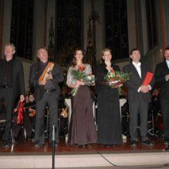 Chorleiter Kurt Stiem, Chorleiter  Christoph Hilfrich und die Solisten Michaela Wehrum, Nicole Tamburro, Michael Brauer und Andreas Czerney